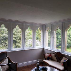 classic-ss2-co3-corner-fearure-windows