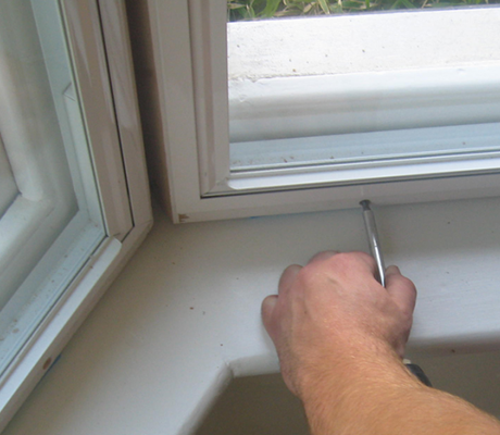 How to Remove Secondary Glazing